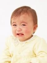 考えられる夜泣きの原因とわが子に合った対処法は?