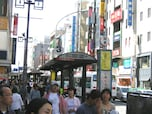 駅ビル、大型店も相次いでオープン、雑踏と文化が活気を生む