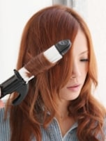 アイロンを使って斜め前髪をセットしよう