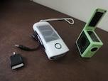 電気は自分で作る!使えるソーラー式・手回し式グッズ