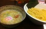 女性必見! コラーゲンたっぷり鶏白湯スープの塩つけ麺!