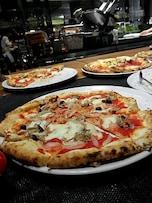 40分1000円でピッツァが食べ放題「サルヴァトーレ クオモ&バール 新宿野村ビル店」