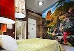 カナダ : 37人のデザイナーが作ったアートホテル
