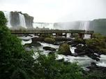 滝観光ツアーはアルゼンチンとブラジル、両方から見られる