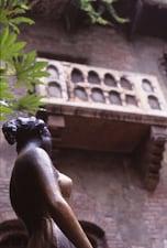 ④ジュリエットのバルコニー <イタリア>