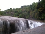 東洋のナイアガラと呼ばれる吹割の滝