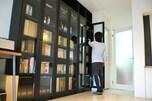 コツ5:●●を使って魅せる本棚に
