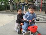 成長した男児の育児は体力勝負!ママの負担増も大変と感じる要因