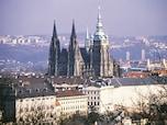 世界一古くて大きい城「プラハ城」(チェコ)