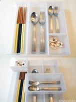 デスク&キッチン小物の収納には、仕切りケースが活躍!