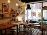 本とアートとコーヒーと…本好きが集う、ゆったりカフェ【ヘルシンキ】