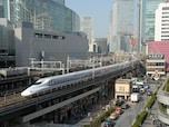 開業50周年を迎えた新幹線、ホテルが人気に