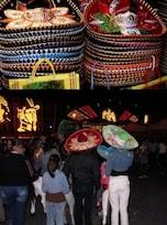 【メキシコ】いったい誰が被るのか?巨大なお祭り帽子ソンブレロ