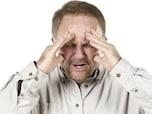 頭痛・嘔気・麻痺・失語症などを伴う「慢性硬膜下血腫」