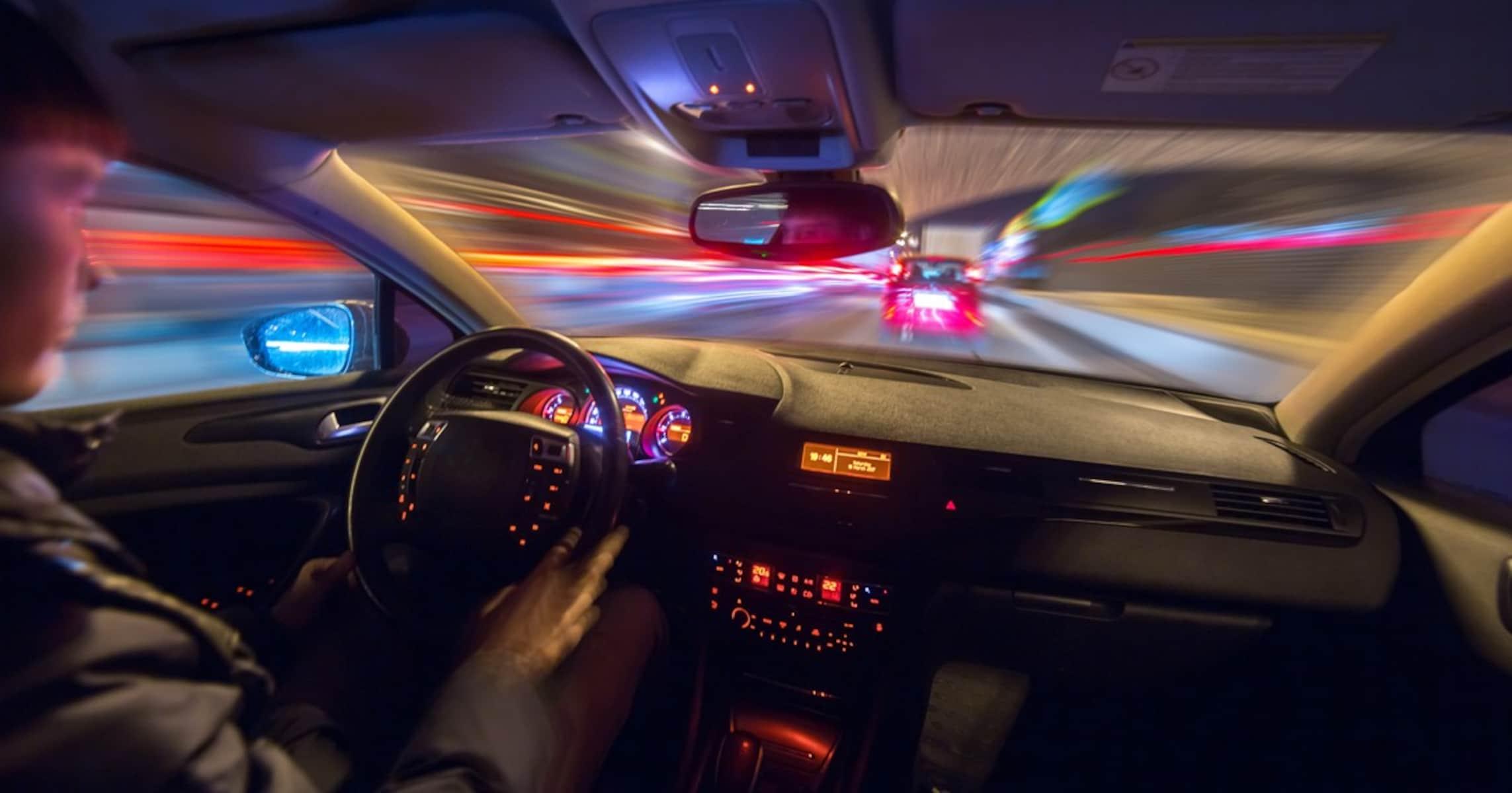 YouTube投稿で自爆した時速280キロ男…なぜ自動車だけ「速いほうが偉い」のか?