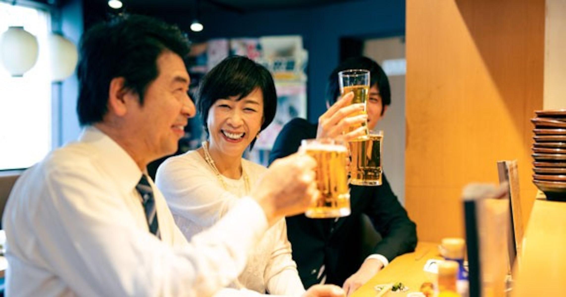 「ありがた迷惑」では…客同士に会話させる立ち飲み居酒屋はアリなのか?
