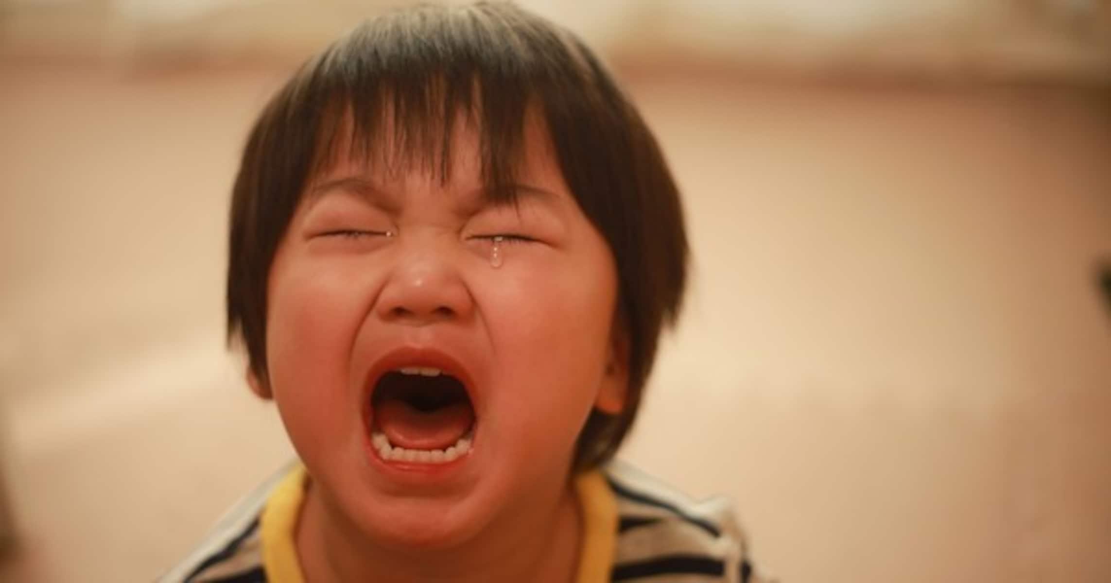 夜中に聞こえた子供の泣き声… 一組の家族を救った勇気ある行動に称賛の嵐