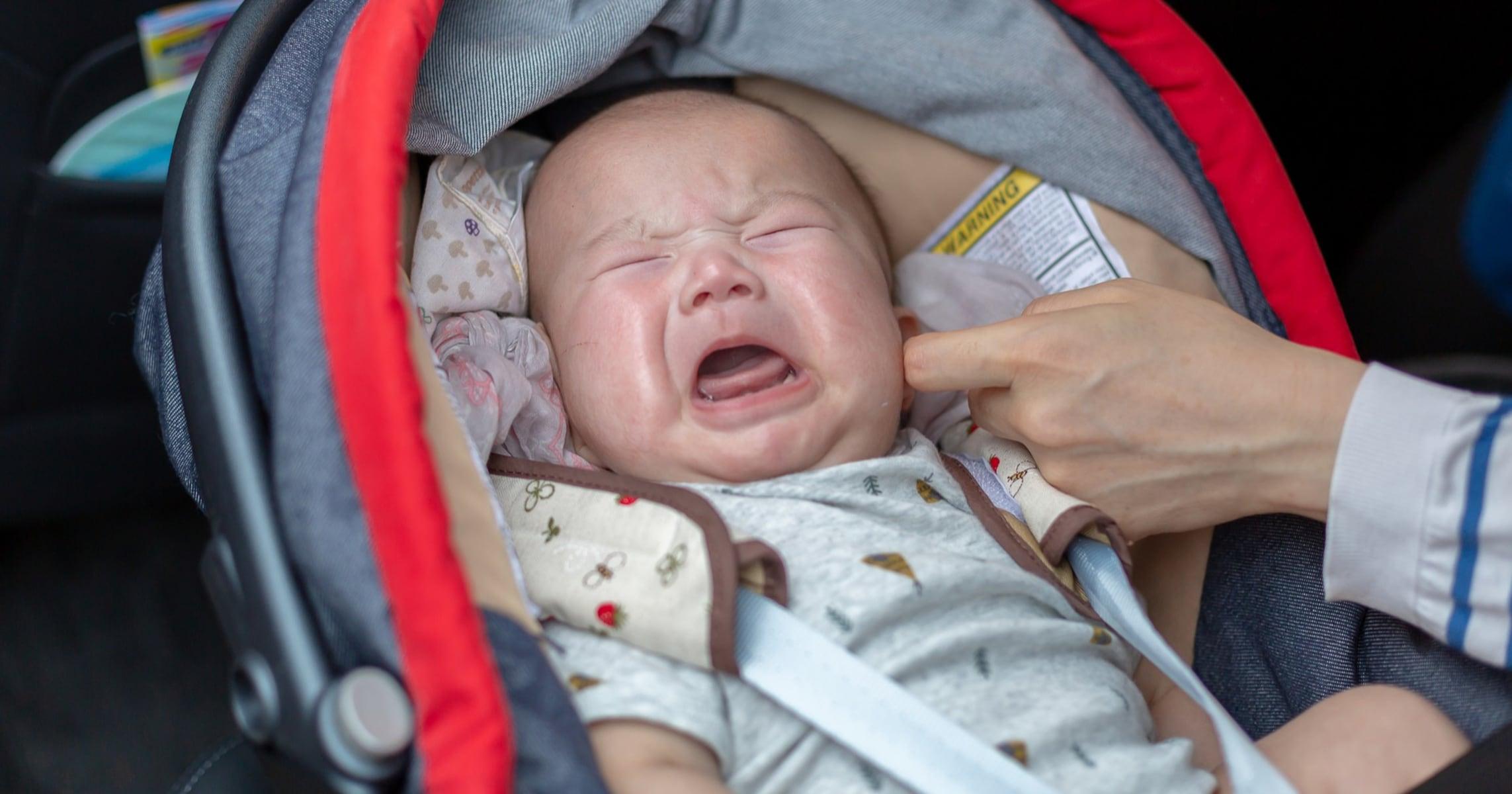 新幹線内で泣き止まない赤ちゃんに怒った男性がクレーム。車掌さんのまさかの対応に「最高」「良い話」と称賛の嵐