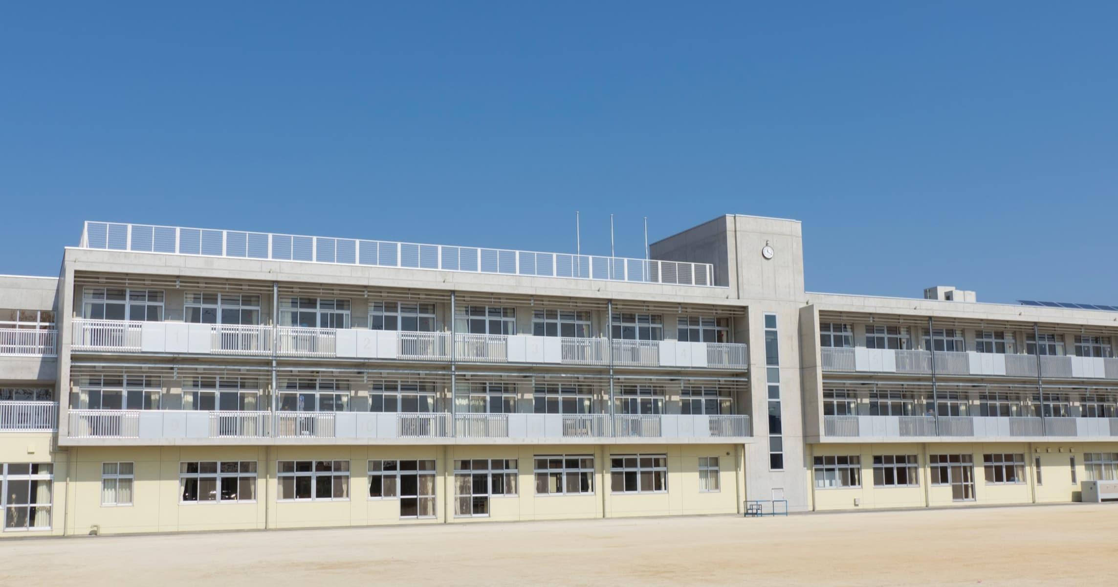 昨今における政府・地方自治体のコロナ対策を日本の中学校に例えてみたら…こんな風になりました?