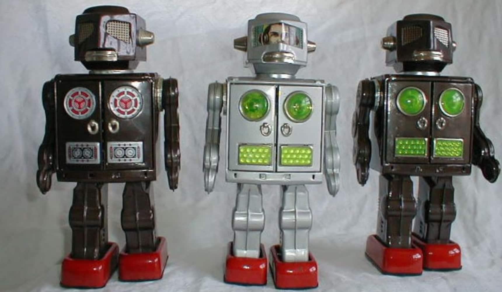 동심의 세계로: 일본 깡통 로봇