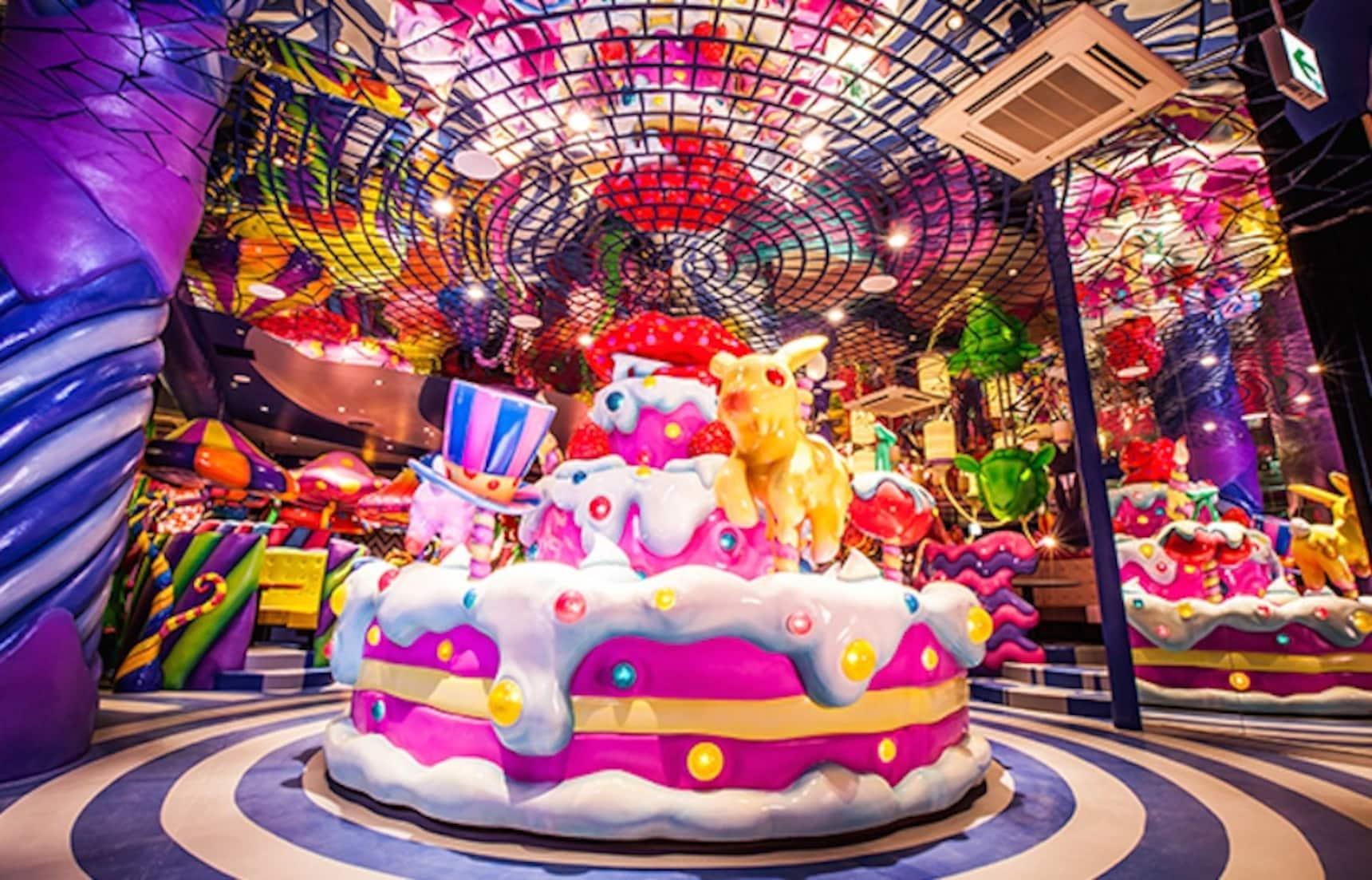 The 6 Weirdest Cafés in Tokyo