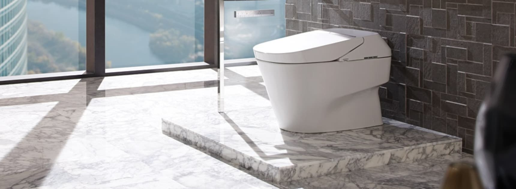 6 Amazing Features of Japanese Toilets
