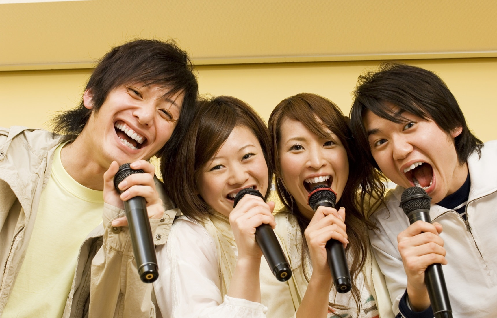 10 Ways to Improve Your Japanese with Karaoke