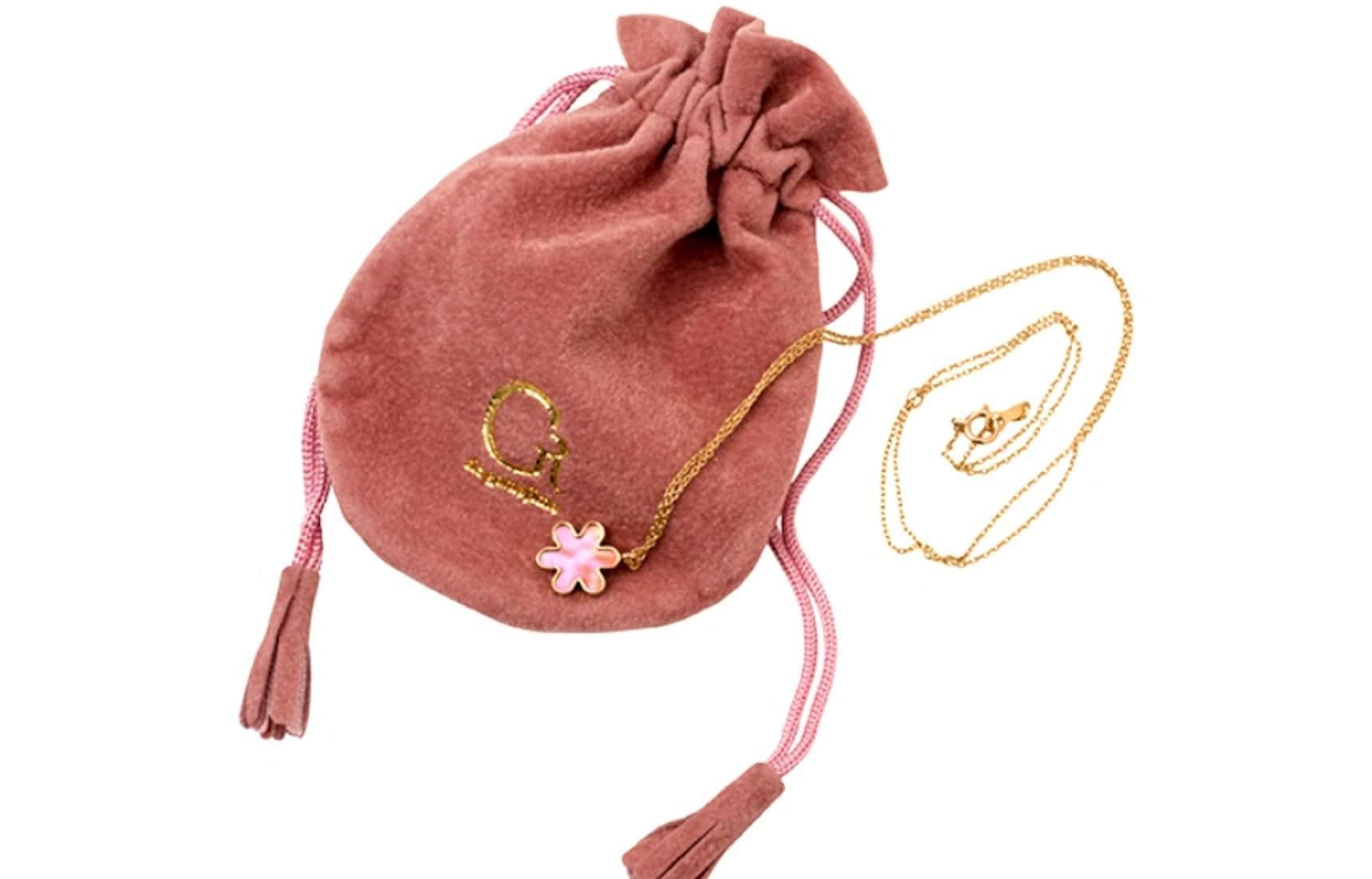 5 Brilliant Japanese Necklace Designs