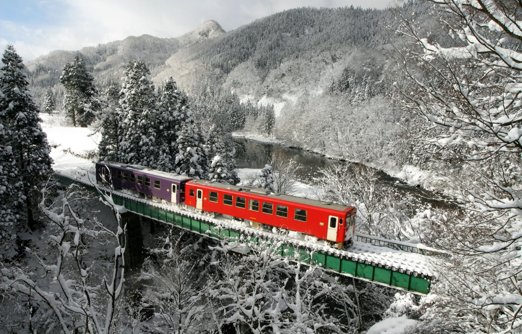Akita Nairiku Line: Winter Wonderland by Rail