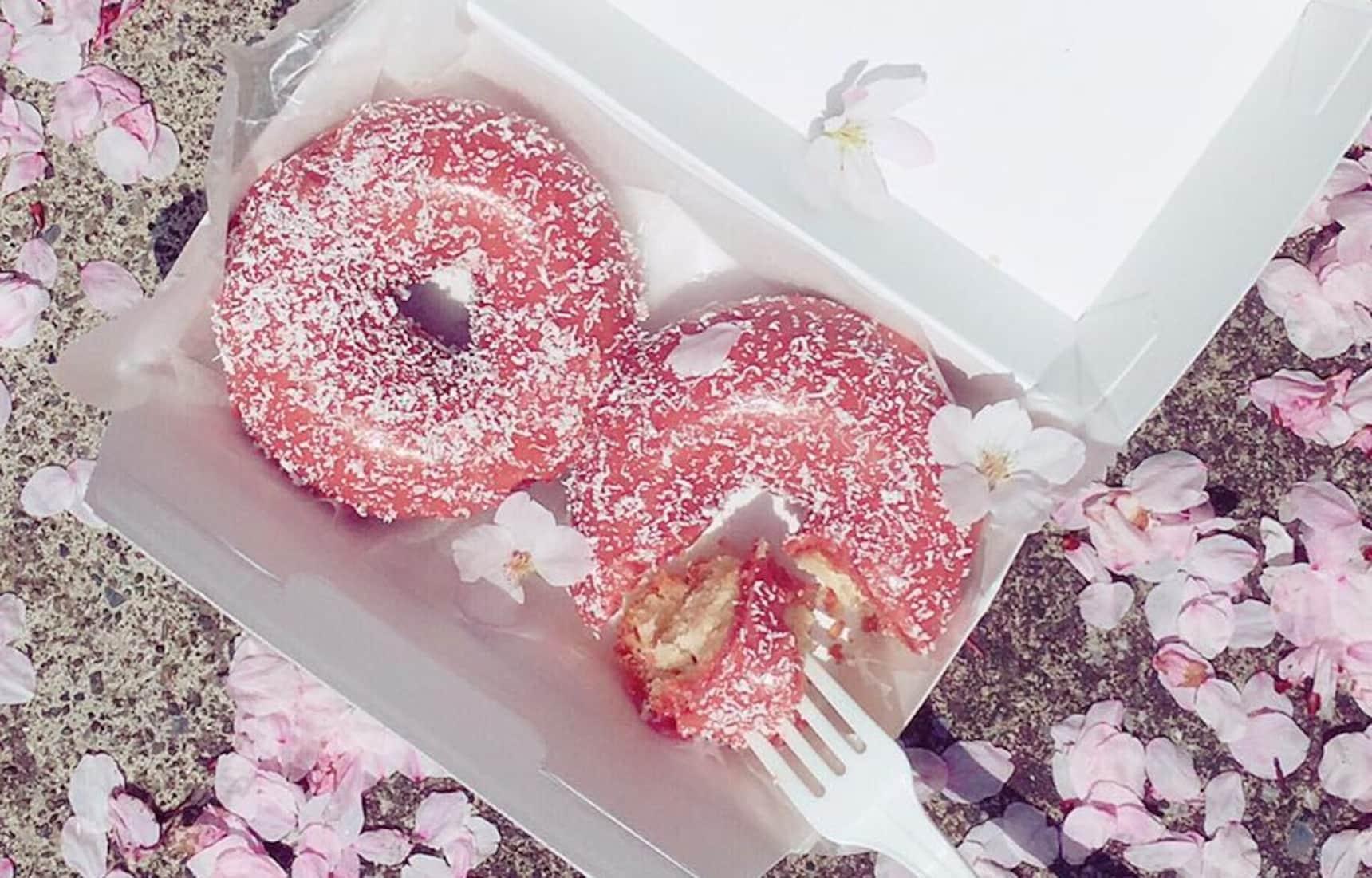 5 Tokyo Cafés for Sakura-Themed Treats