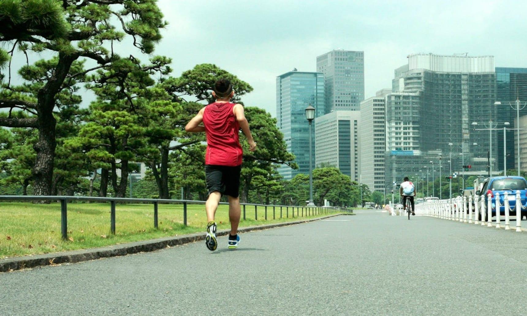 在東京皇宮慢跑