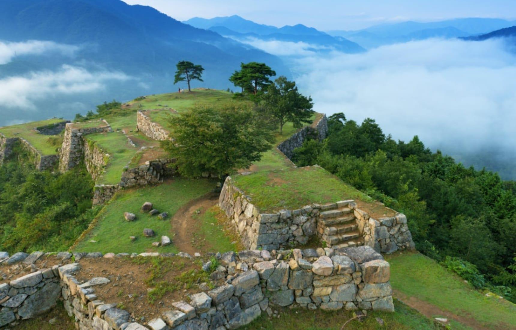 Japan's 5 Greatest Castle Ruins