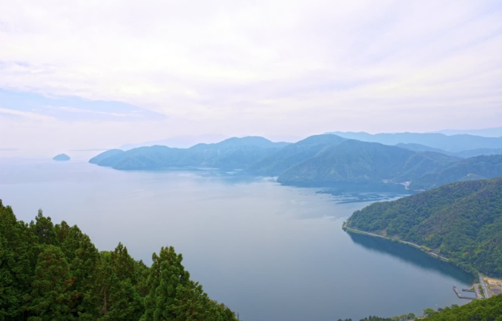 Shiga: Lakes, Ziplines, Water & Castles