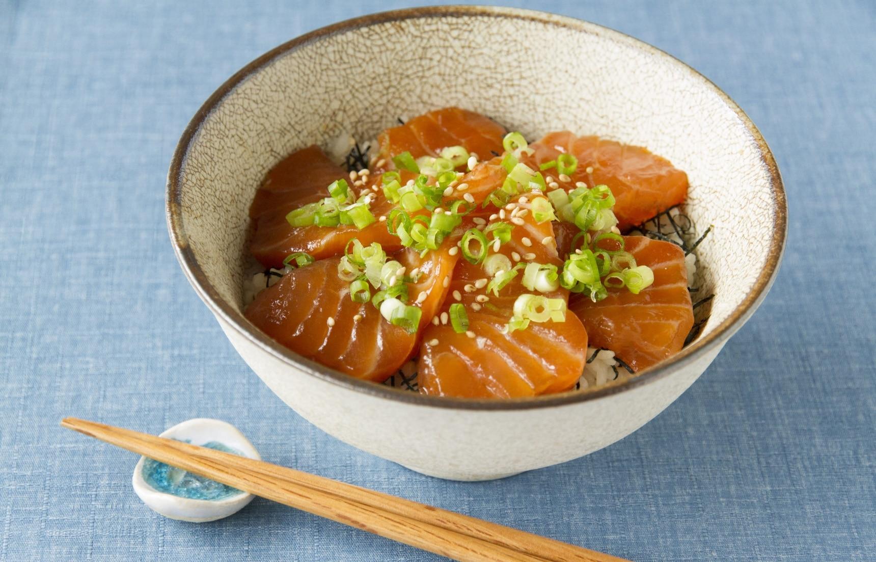 5款夏天吃才最对味的日式盖浇饭