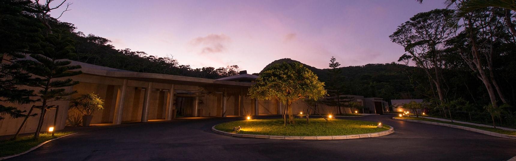 绝顶视穷千里目,烟波深处是琉球 — 冲绳马加查巴鲁酒店