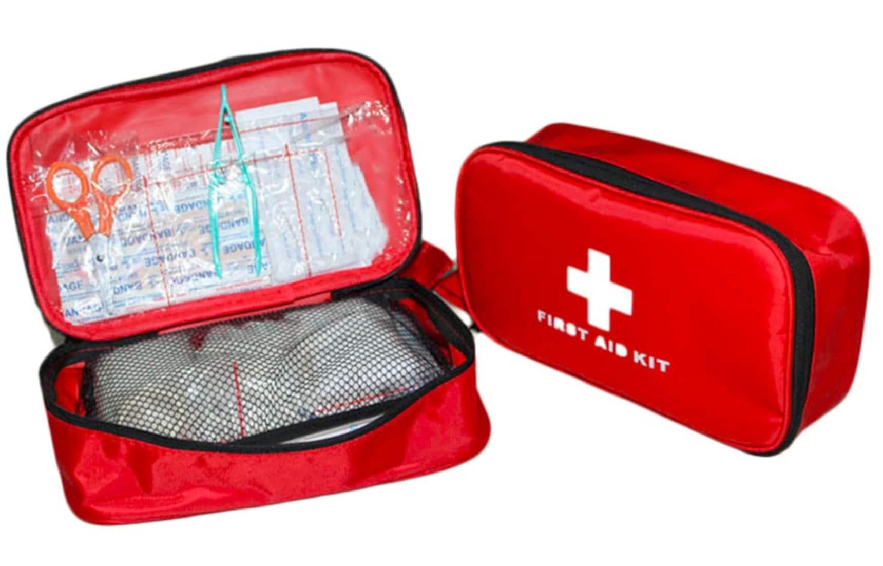 Build an Earthquake Kit at the ¥100 Shop