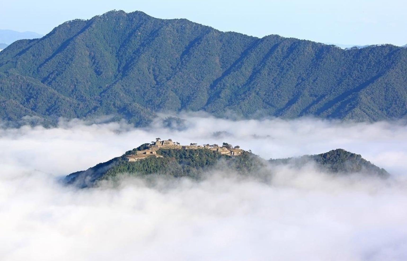 8 Real 'Laputa'-Like Locations in Japan