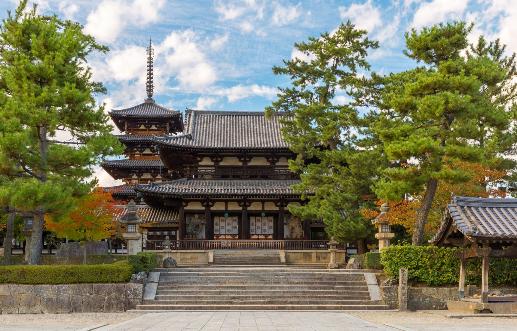 Horyu-jis Famous Buddhist Monuments  All About Japan