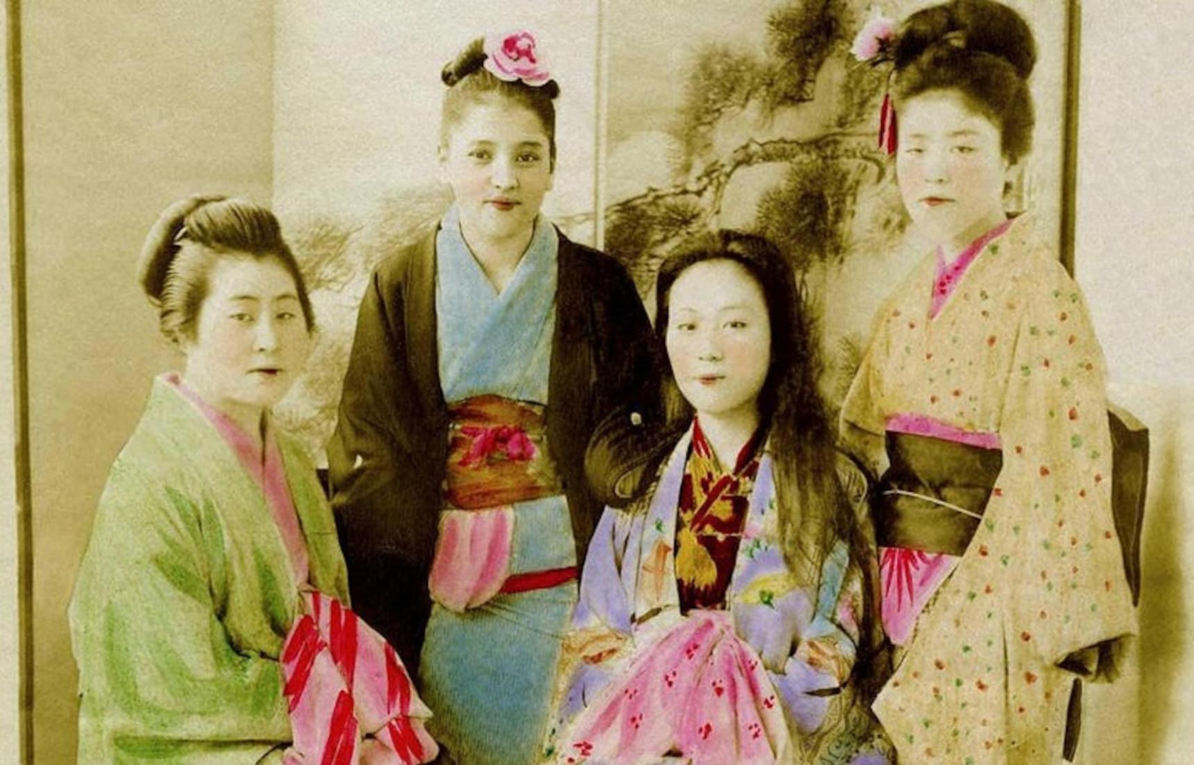When to Wear a Kimono