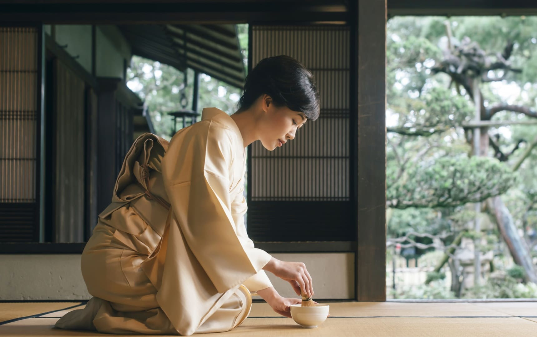 How to Enjoy Tea Ceremony Like a Local