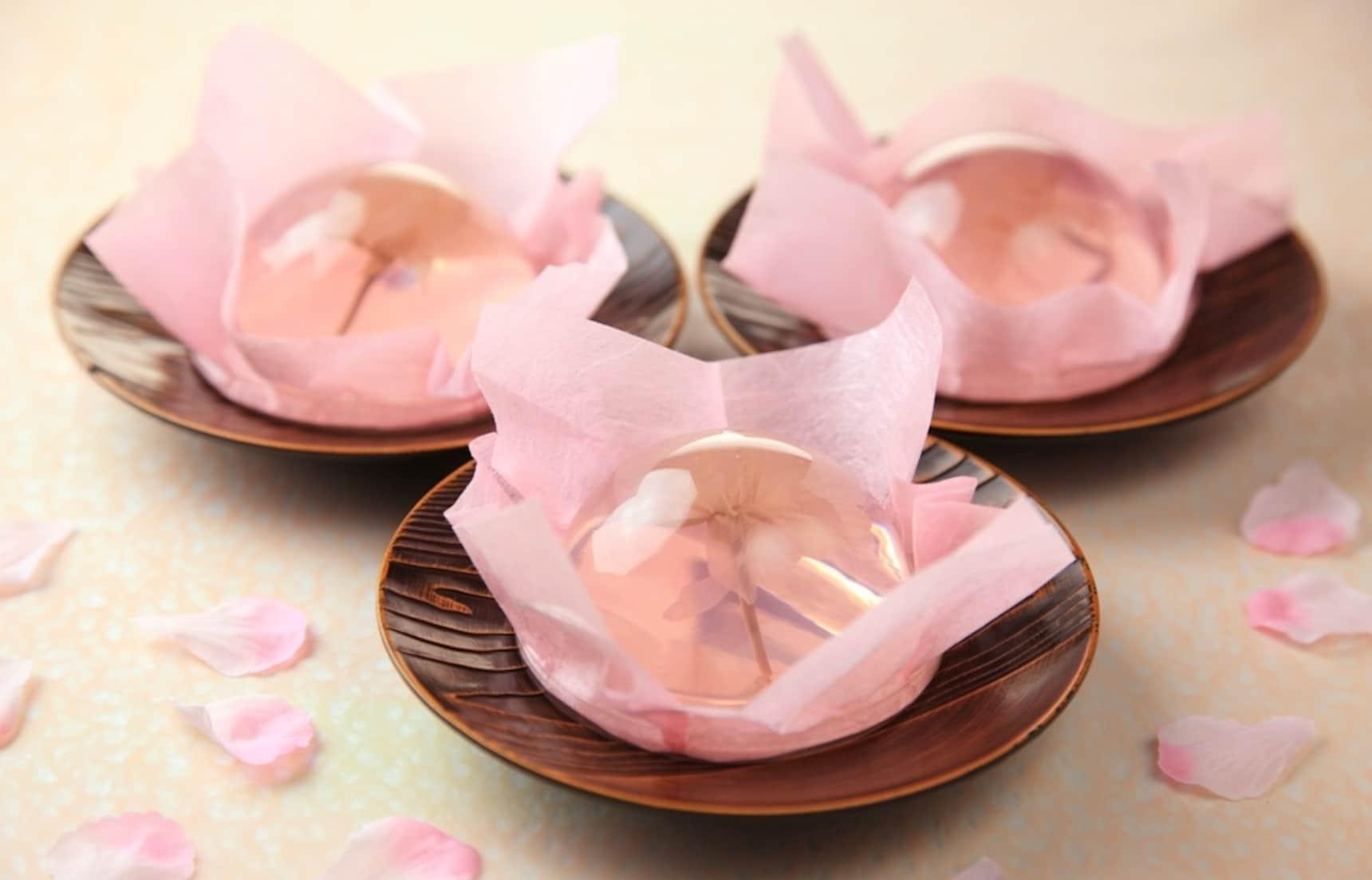 먹기엔 너무 아까운 물방울 벚꽃 젤리