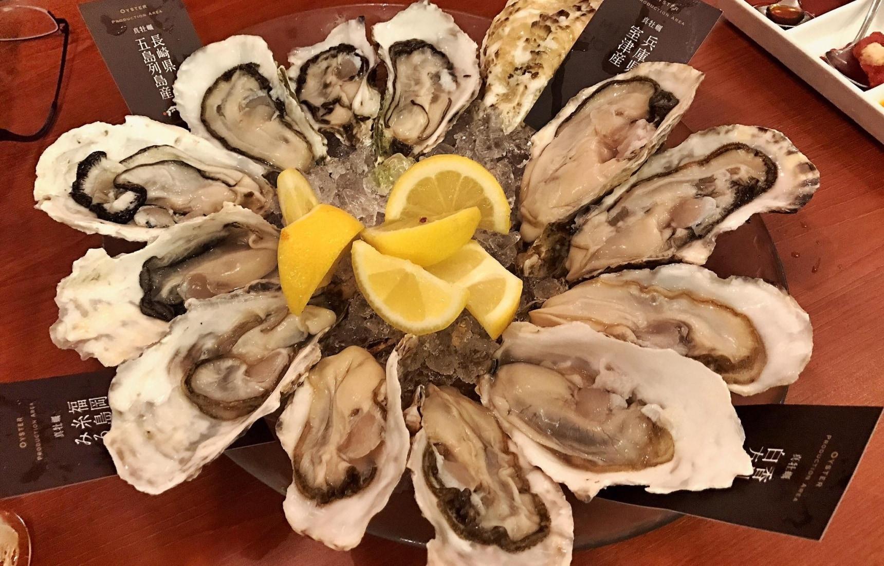 'หอยนางรม' ตัวโตๆที่ Yokohama Bay Quarter