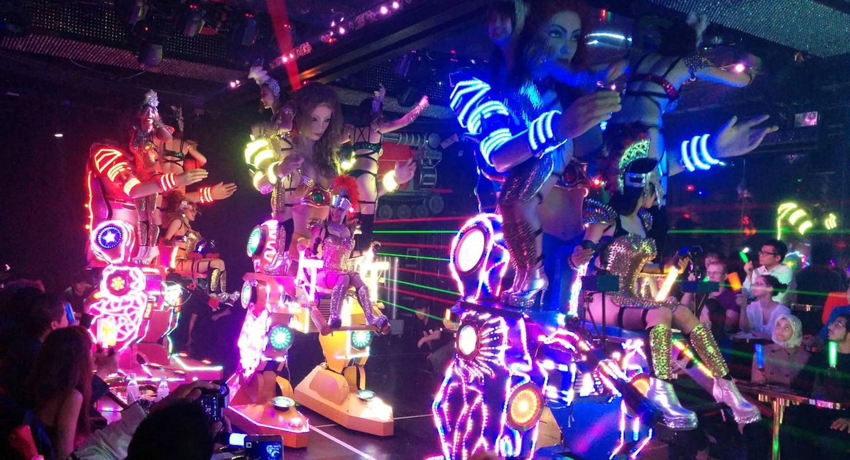 Robot Restaurant Serving up Epic Entertainment
