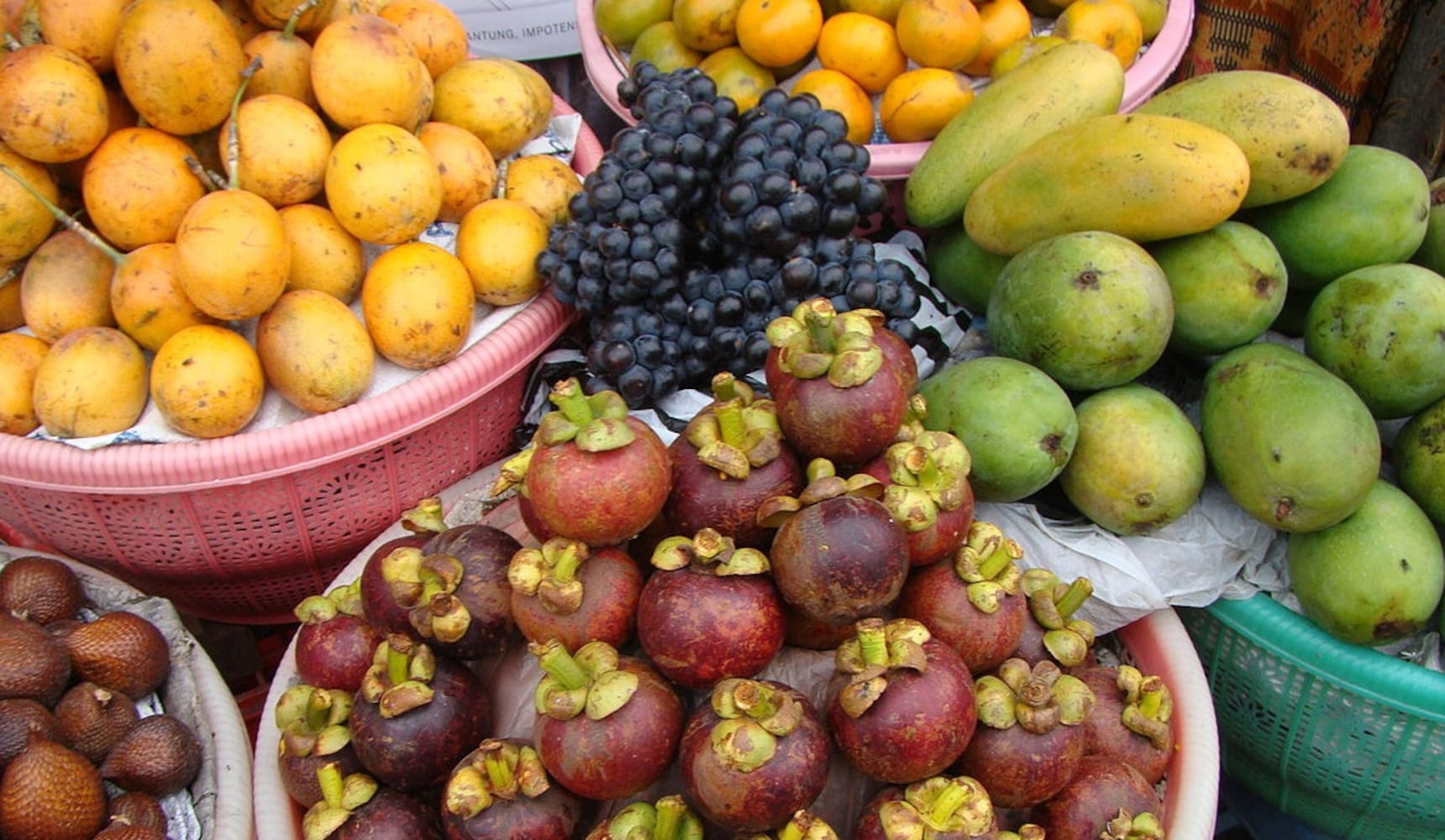10 Exotic Fruits You Can Find Cheaply in Japan
