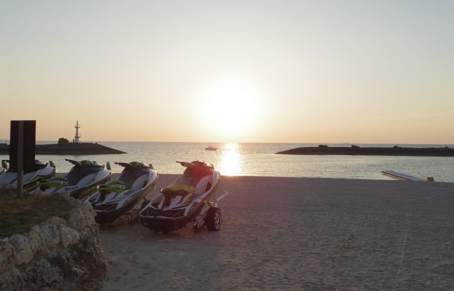 享受海风与漫长假期,各档价位的冲绳住宿体验