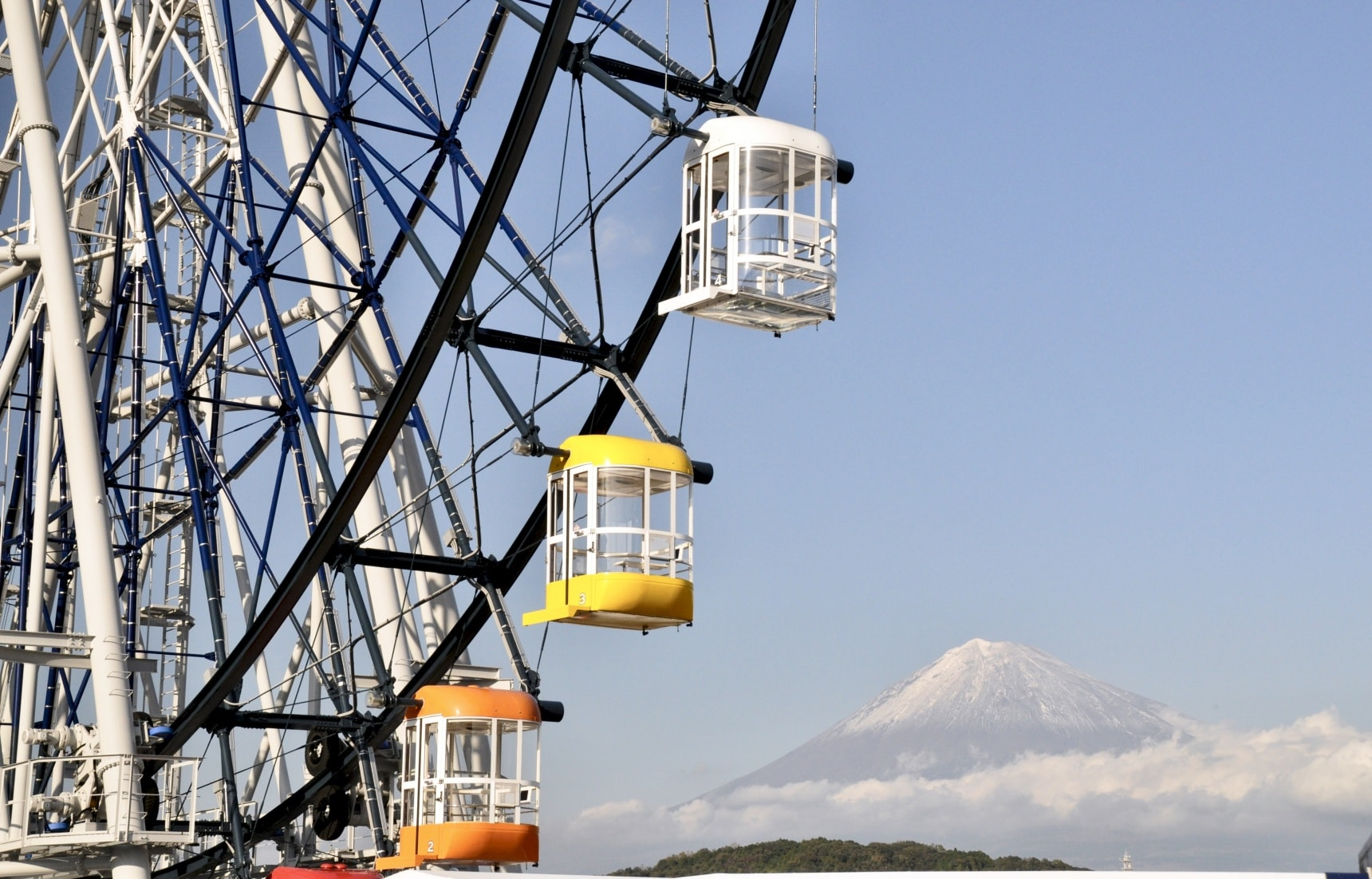 The Ferris Wheel with a Fuji View