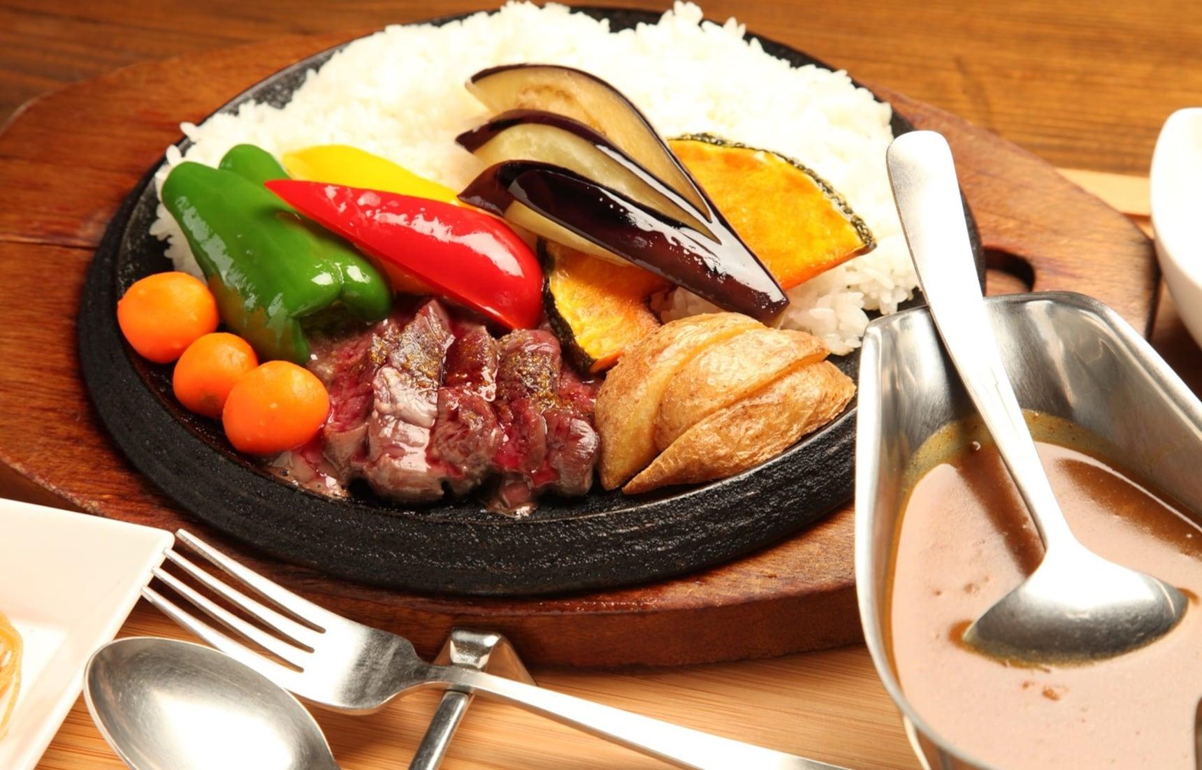 【北海道美食】鹿肉咖哩?結合住宿的複合式餐廳「Nanputei」