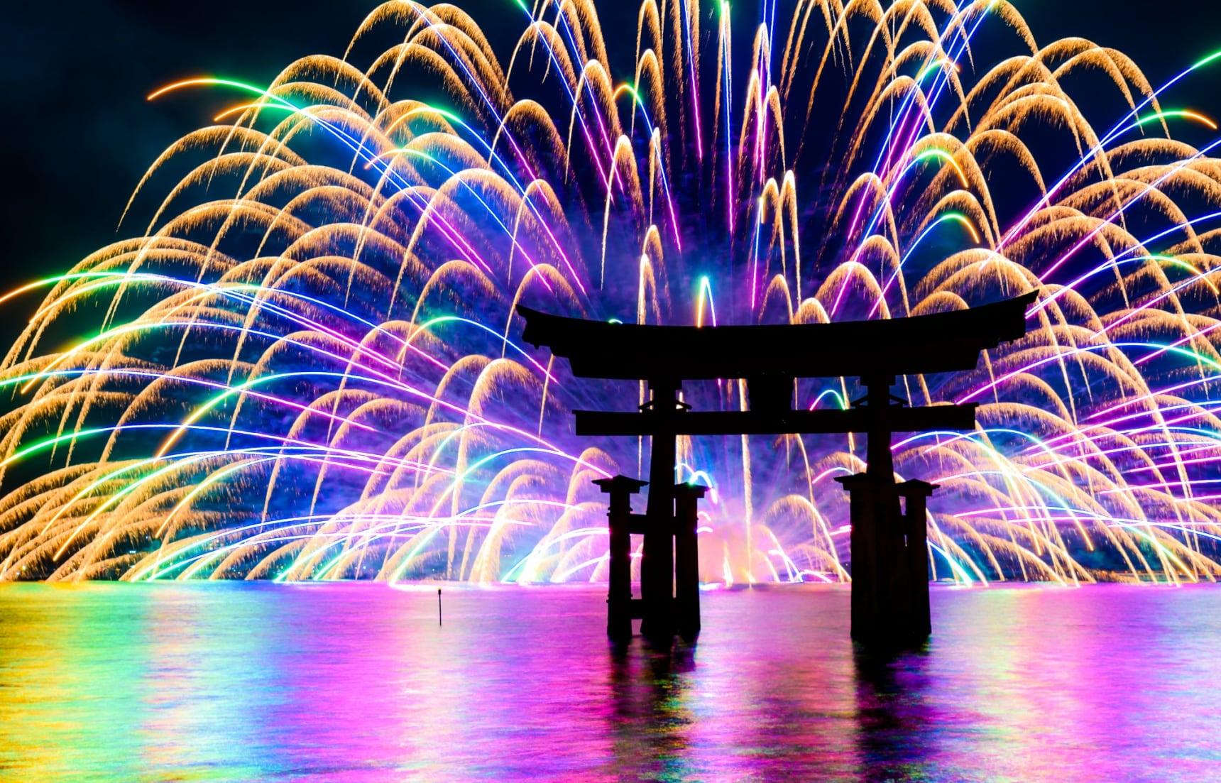 10 สุดยอดงานเทศกาลดอกไม้ไฟของญี่ปุ่น