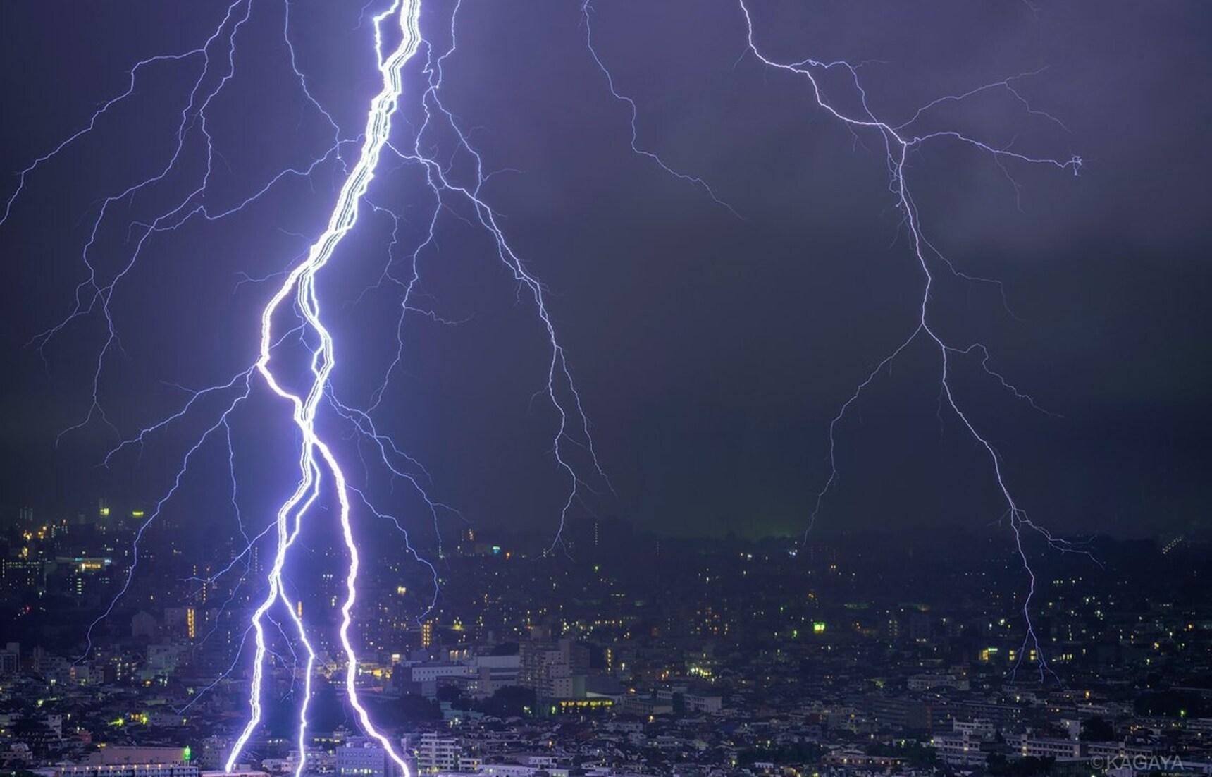 Mother Nature Strikes Tokyo Skies