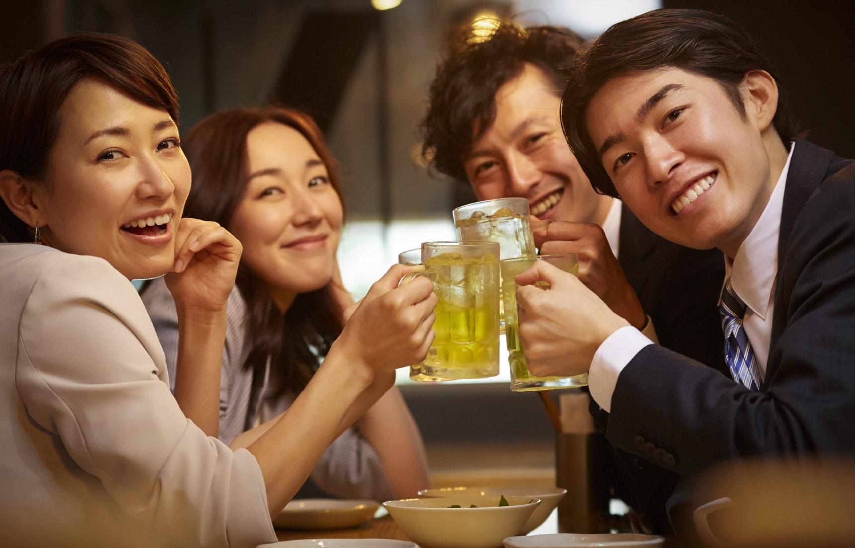 朋友聚會不能少,不傷荷包也能開心暢飲|七款日本便利商店就能入手的氣泡酒推薦